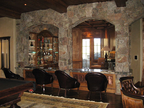 Bar connecting Family to Hearth Room.