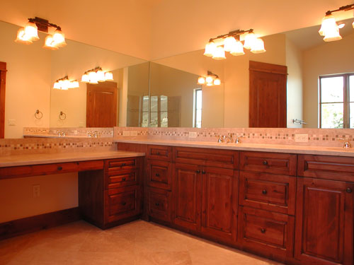 master-bath-with-double-sink-vanity